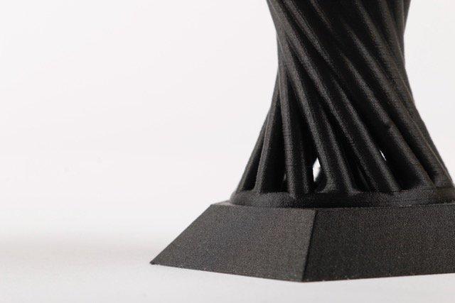 Die Dimensionsstabilität bei 3D-gedruckten Teilen aus Onyx verbessern