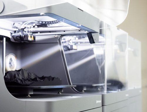 Der Markforged Industrie 3D-Drucker X7 – druckt jetzt doppelt so schnell!