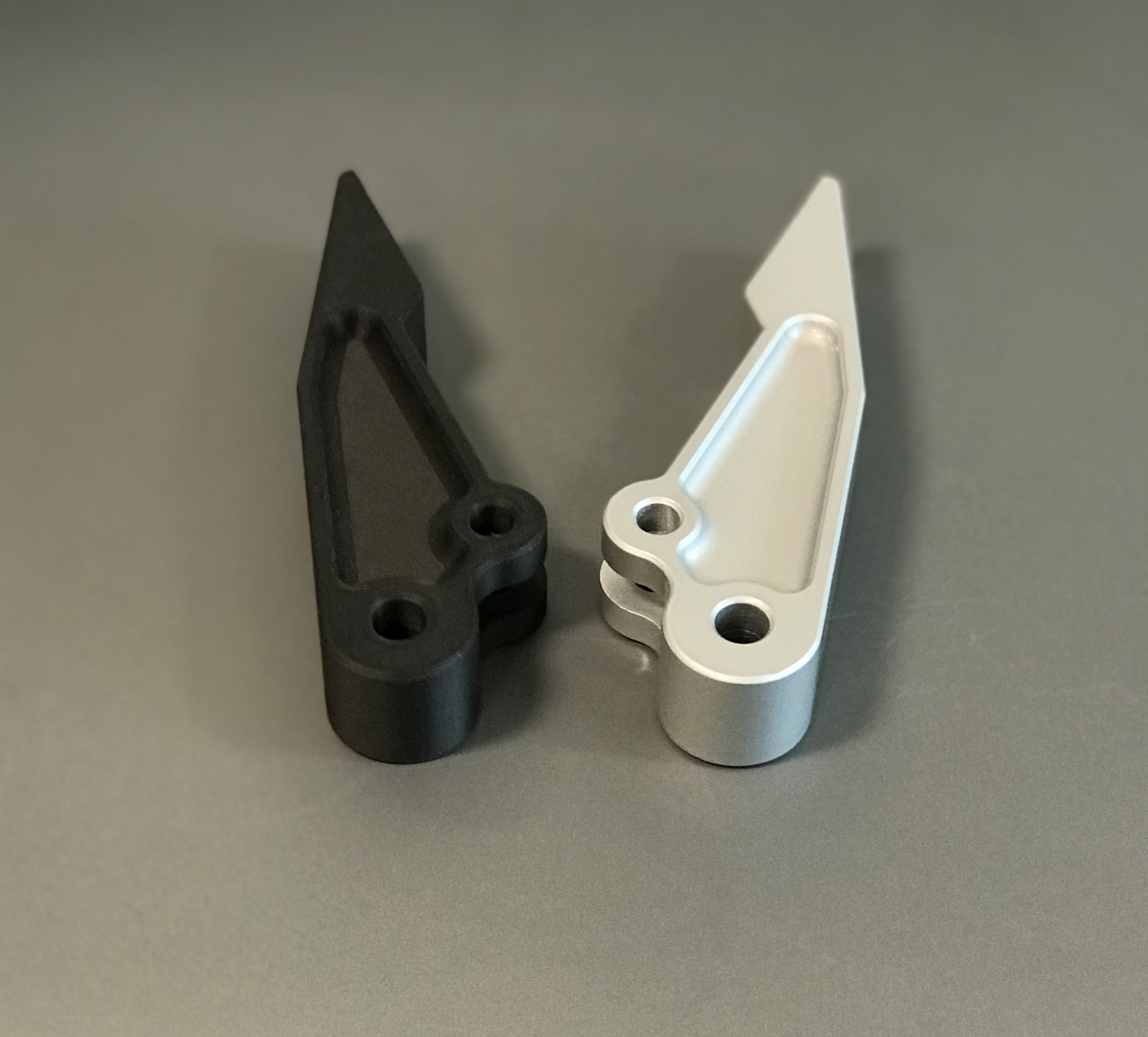 Metallfarbe-Onyx-bespruehen-Markforged-Mark3d