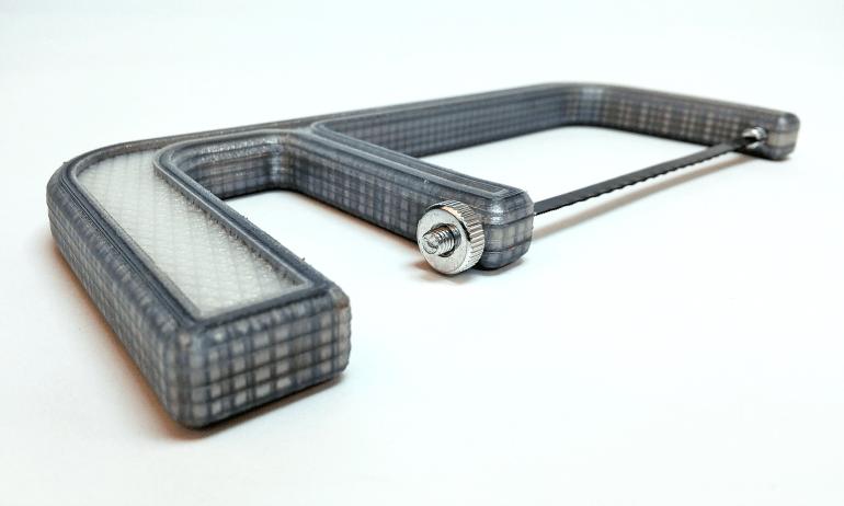 3D gedruckte und faserverstärkte Säge